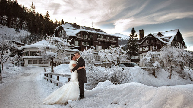 The Ideal Opportunity For Winter Weddings Is Presently Before They Begin Turning Into Standard And Venues To End Up Inaccessible